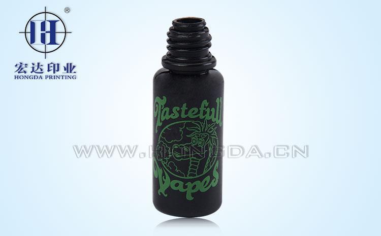 黑色瓶子热转印效果图